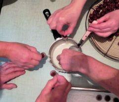 mains_pour_chocolat_2011_s
